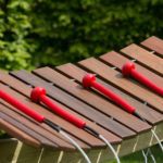 bekijk de akadinda marimba xylofoon voor buiten bij percussion play nederland